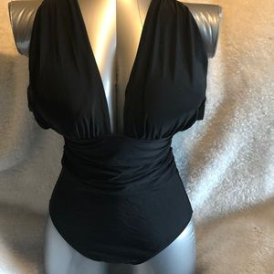 Other - Black crisscross one piece swimsuit ruched side